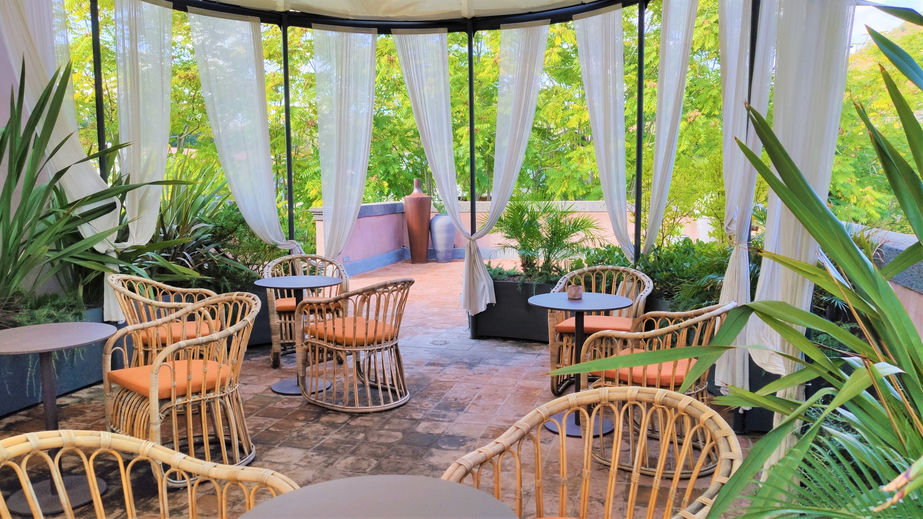 Adding Outdoor Dining to Your Hotel Restaurant